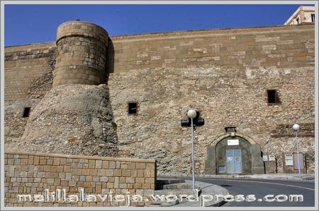 Melilla la Vieja, Exteriores de las Cuevas de Florentina